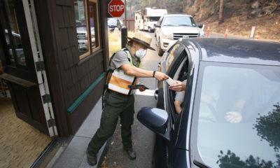 Photo of cars at Yosemite gate