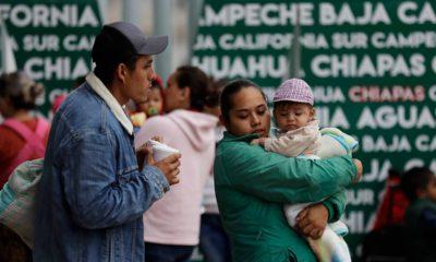 Photo of migrants waiting at the Mexico border