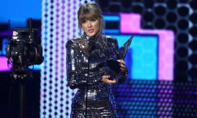 Photo of Taylor Swift at the AMAs in Los Angeles
