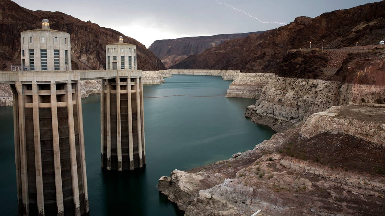 Photo of Lake Mead near the Hoover Dam