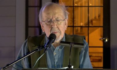 Photo of Peter Everwine reading