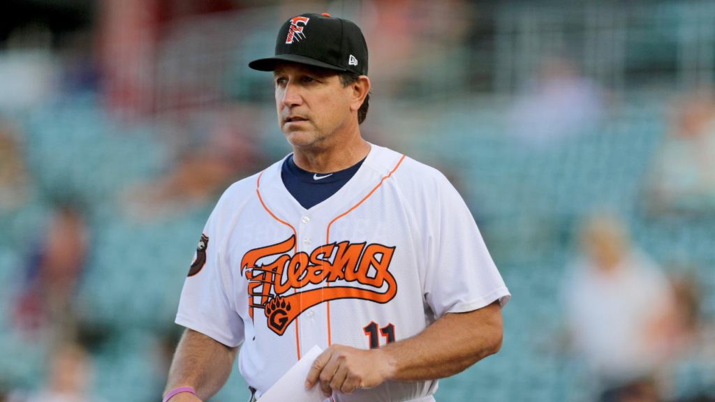 Former Grizzlies manager Tony DeFrancesco wearing the 2015-18 white tops (Photo: Minor League Baseball)