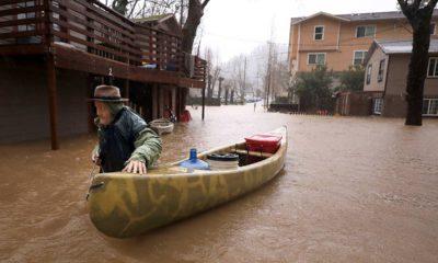 Photo of Jesse Hagan evacuating his apartment complex