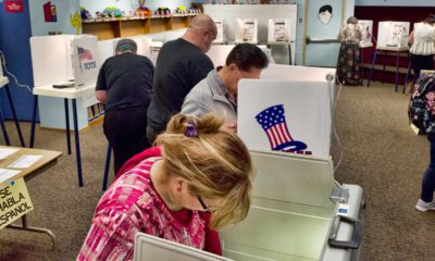 Photo of voters in Los Angeles