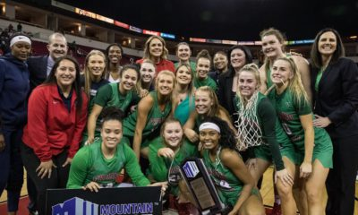Photo of Fresno State women's basketball team after clinching a share of the Mountain West titleWo