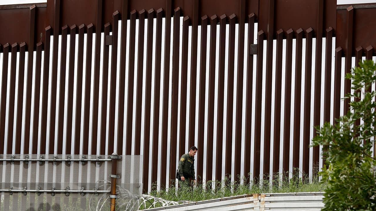 Photo of border wall separating Tijuana and San Diego