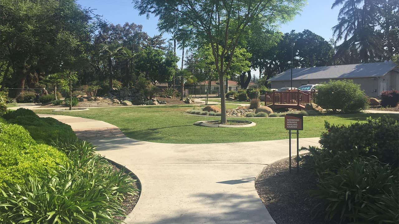 Photo of Redwood Springs Healthcare Center in Visalia, California