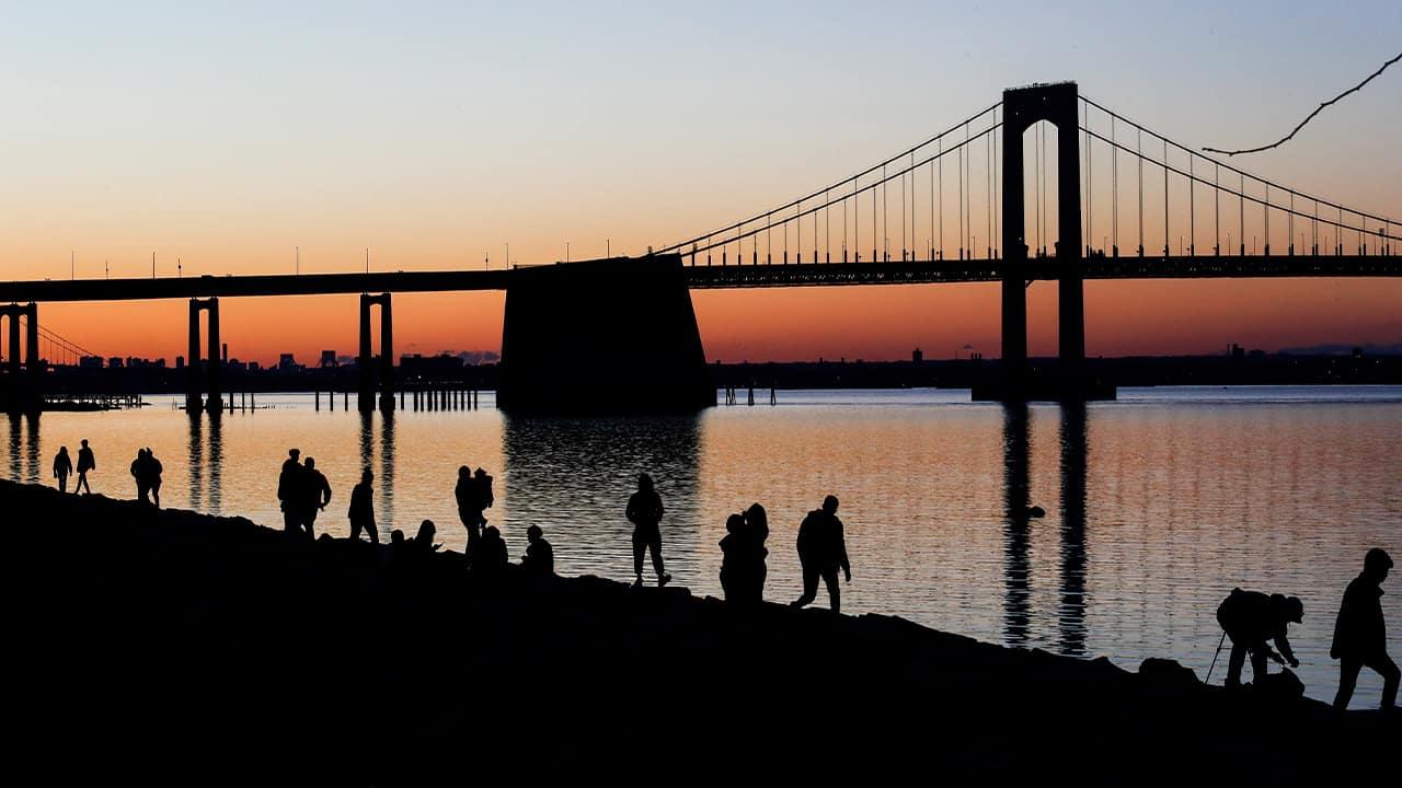 Photo of the Throngs Neck Bridge in Queens, NY