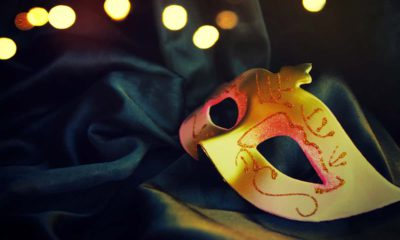 Image of a gold carnival mask