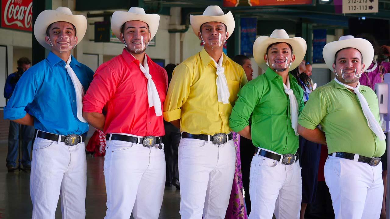 P1310369_Cowboy Group